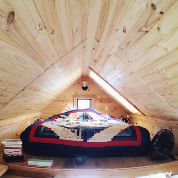 Фото жилого мини-дома своими руками: спальня