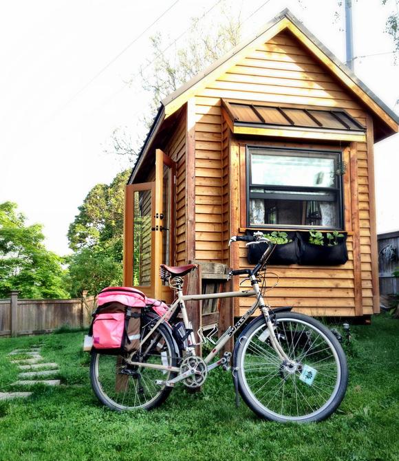 Идея жилого мини-дома на колесах