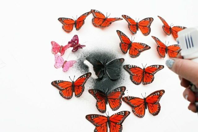 Bastelanleitung-Schmetterlinge-verschiedene-Größen-färben-Farbspray-besprühen