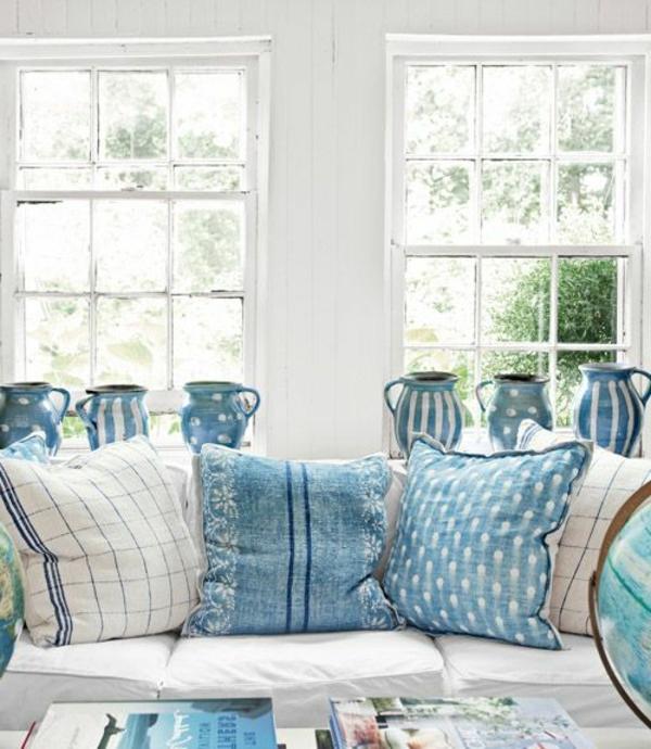 blaue-farbtöne-wohnzimme-kissen