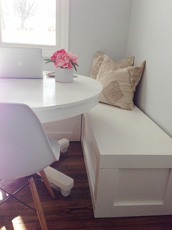 interior-design-ideen-sitzbank-holz-im-esszimmer-in-weißer-farbe