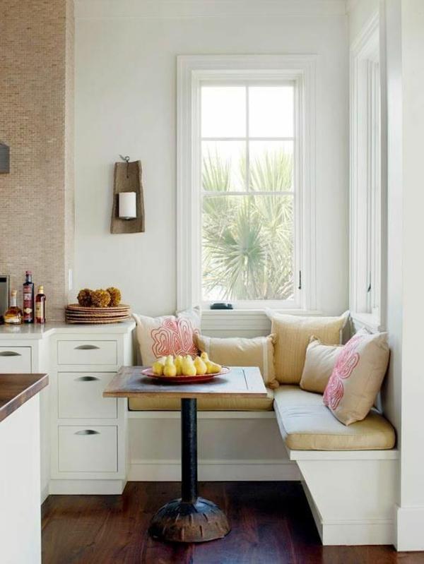 interior-design-ideen-weiße-sitzbank-holz-im-esszimmer2