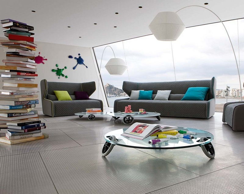 Серый диван в интерьере