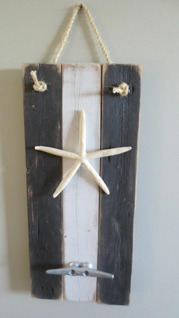 Фото настенный металлический крючок с морской звездой