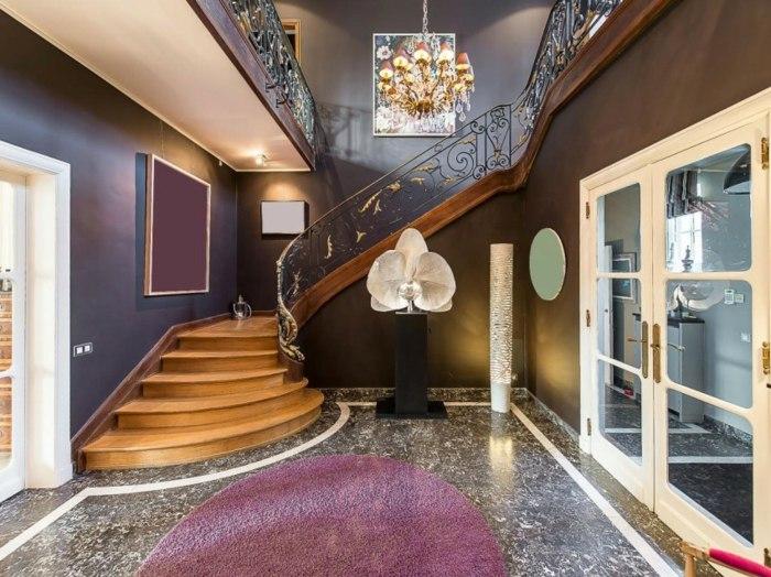 деревянная лестница кованые перила классический стиль