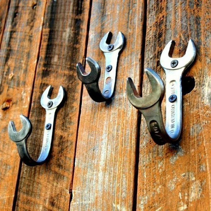Фото оригинальные настенные крючки для одежды своими руками из гаечных ключей