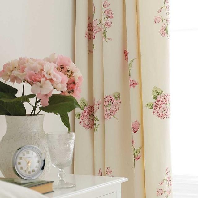 Нежные кремовые шторы с цветочным узором
