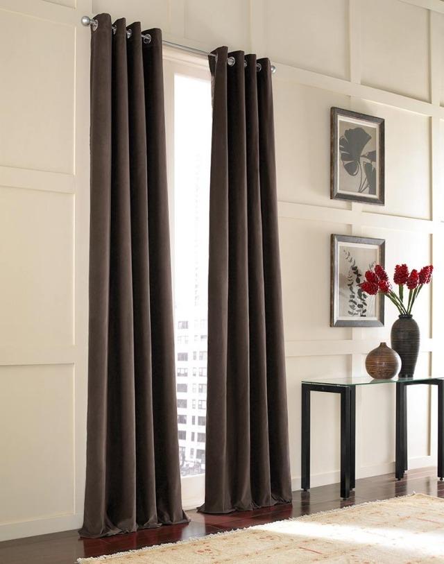 Длинные черные шторы