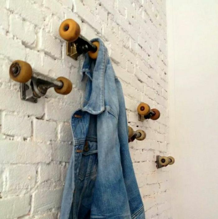 Крючки для одежды своими руками из колес скейтборда