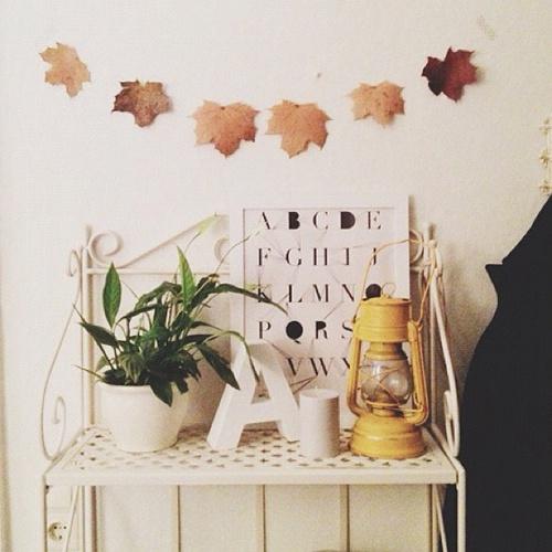 Осенняя гирлянда своими руками - декор из листьев
