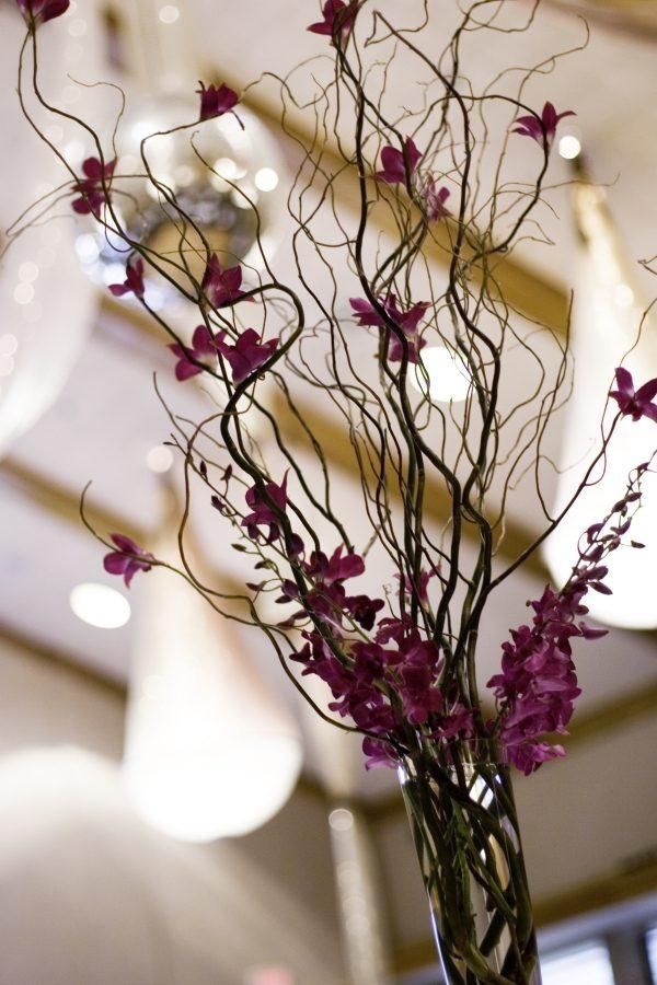 Декор из веток для напольной вазы