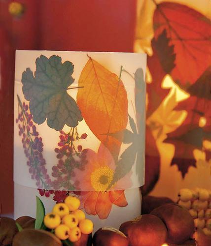 Поделки из осенних листьев своими руками - фото подсвечника