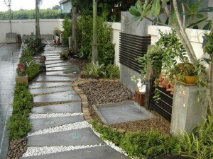 Панели искусственного камня для садовых дорожек