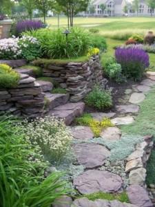 Оформление сада искусственным камнем
