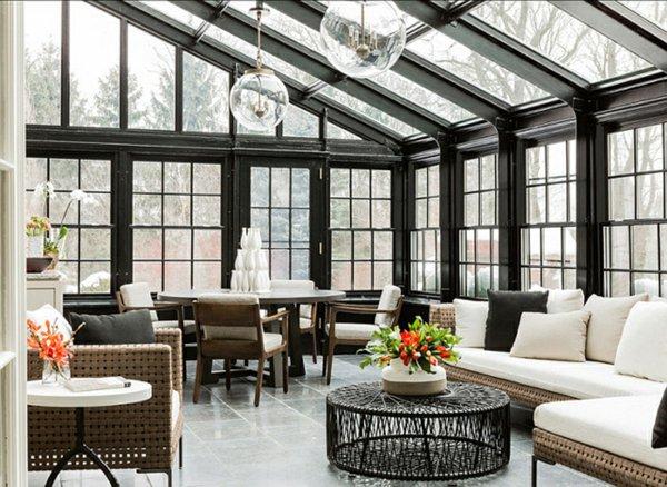 Большой зимний сад в частном доме