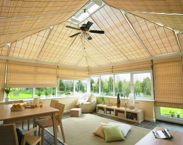 Бамбуковые римские шторы на летней веранде