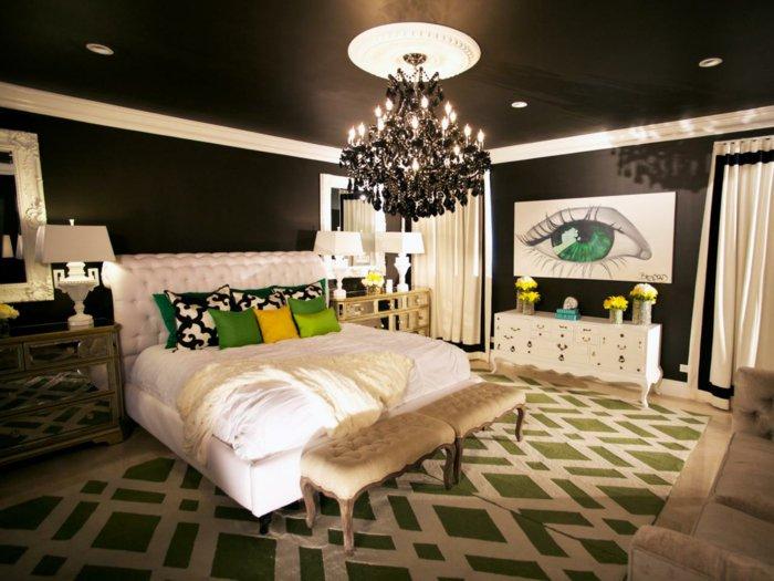 Черный потолок и черные стены в спальне