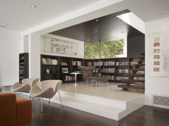Дизайн студии с черным потолком
