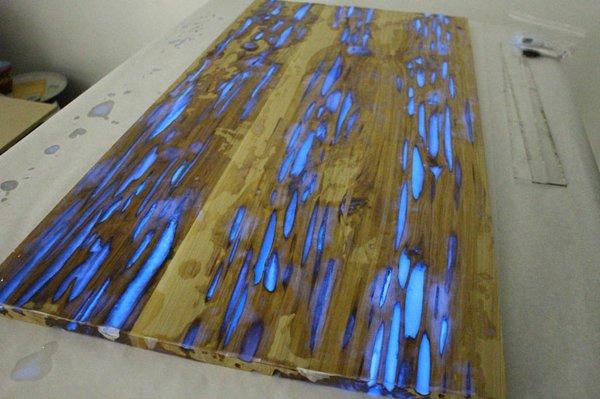 Glowing table - необычный дизайн стола своими руками