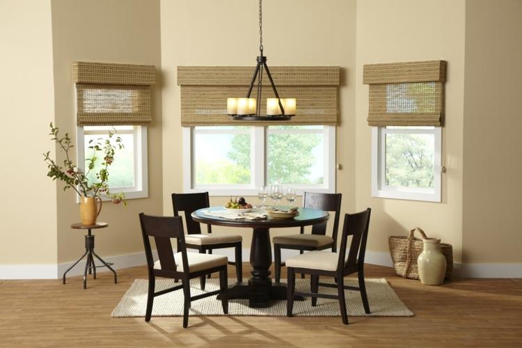 Светлые деревянные римские шторы