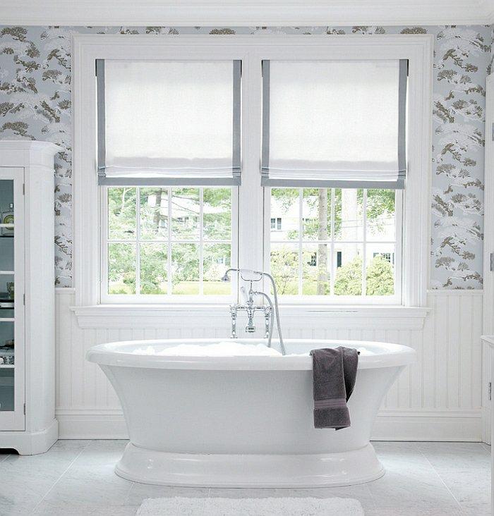 Легкая римская штора в ванну
