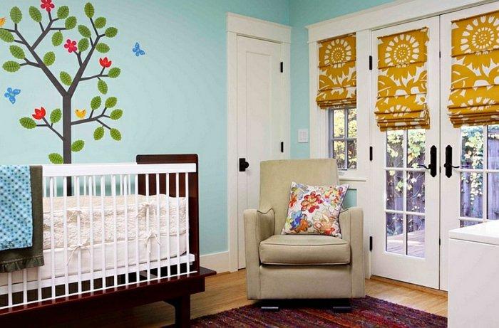 Римская штора в детской комнате на окно и дверь