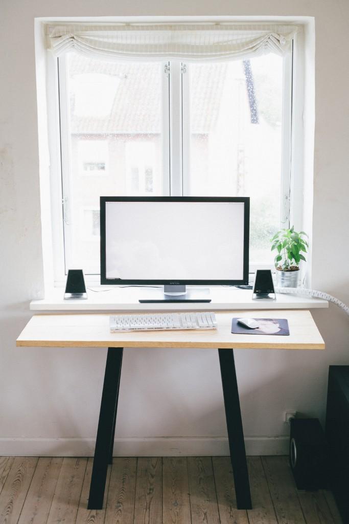 Дизайн подоконника для маленького помещения