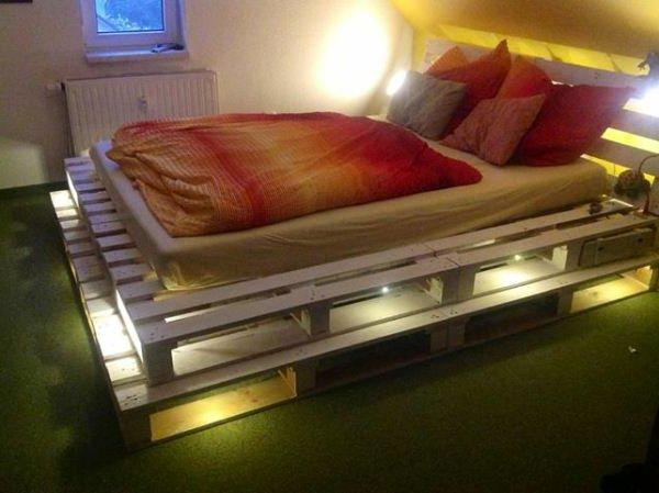 Кровать из досок своими руками с подсветкой