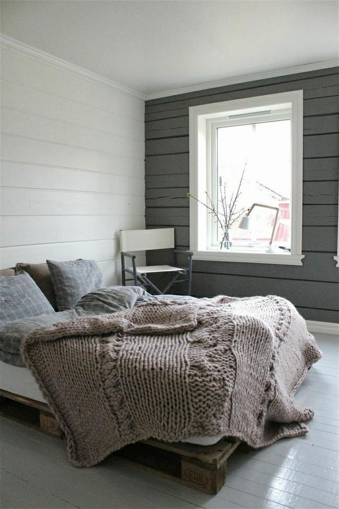 Простой дизайн кровати из поддонов