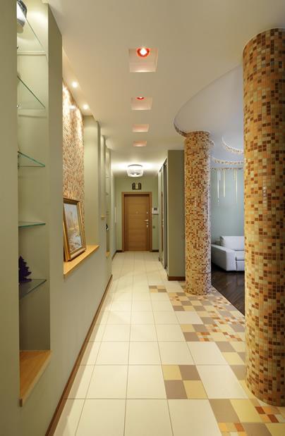 Дизайн длинного коридора в квартире фото