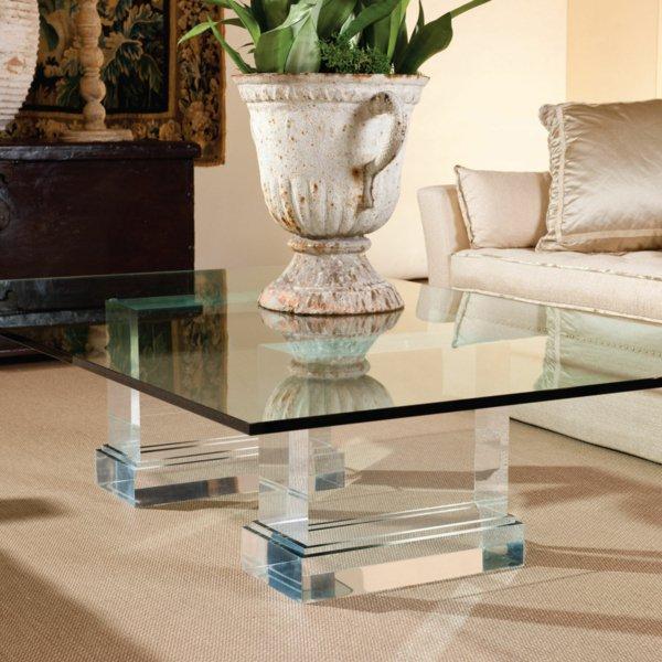 Журнальный стол из стекла в античном стиле