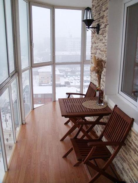 фото Интерьер балкона с панорамными окнами