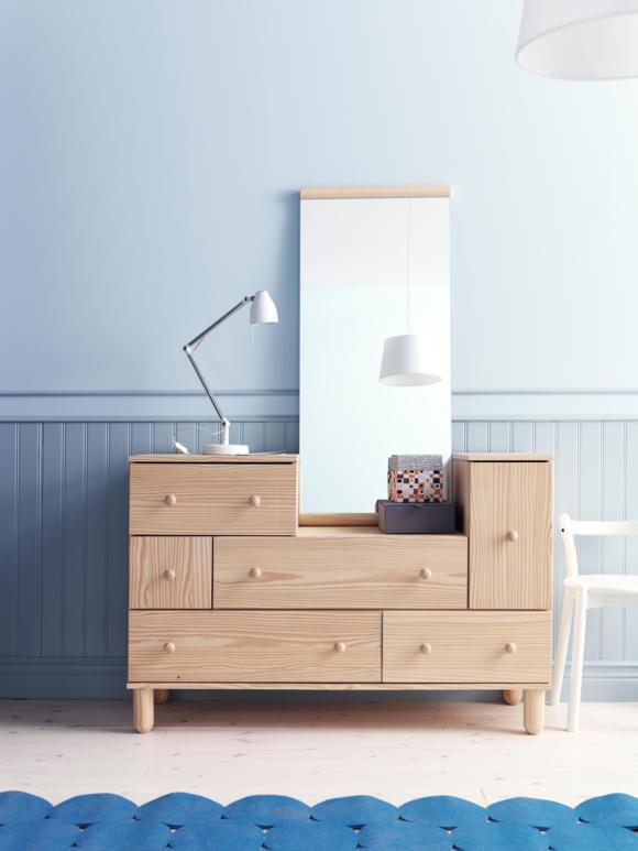 деревянная мебель из сосны комод с зеркалом в прихожую фото