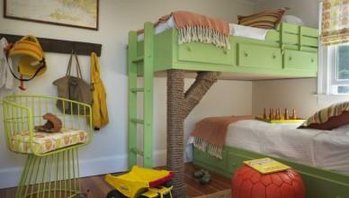 идея интерьера детской для двух мальчиков зеленый двухъярусная кровать дерево