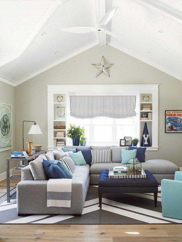 светло-серый диван угловой с подушками фото голубой синий полосатый