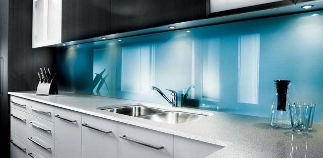 белая голубая кухня матовая фото реальное белый низ