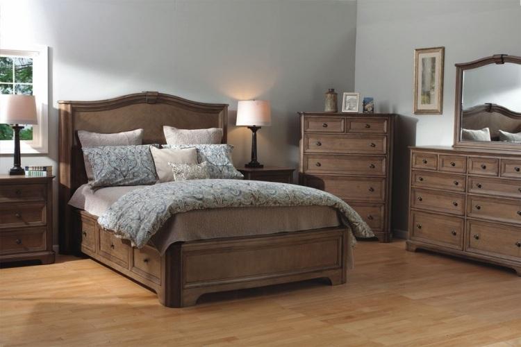 деревянная кровать массив с ящиками для хранения фото идеи для маленькой спальни