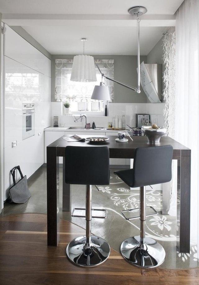 глянцевая маленькая бело-серая кухня фото реальное