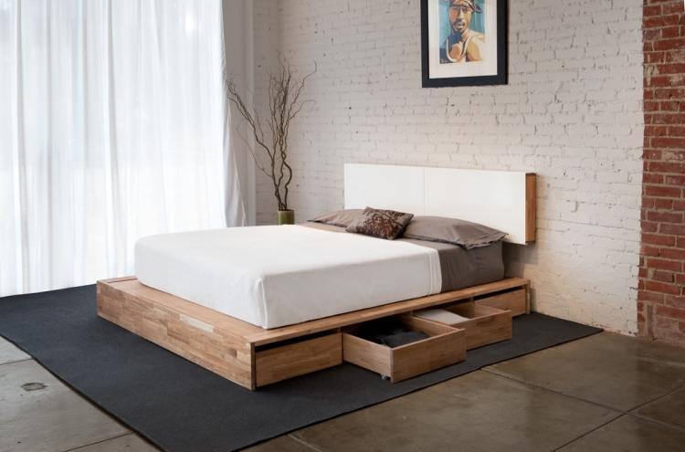 кровать двуспальная с ящиками для хранения фото идеи для маленькой спальни