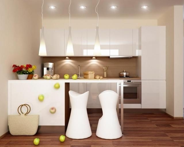 маленькая белая кухня фото реальное бежевые стены студия барная стойка