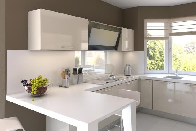 маленькая белая кухня угловая фото реальное бежевые стены