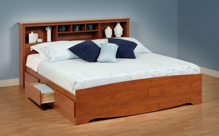 стильная кровать с выдвижными ящиками для белья фото идеи для маленькой спальни