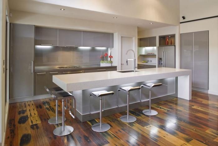 барные стулья для кухни фото металлические
