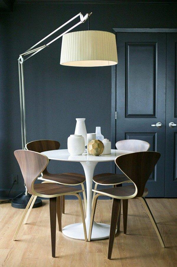 деревянные обеденные стулья для кухни фото с необычной спинкой