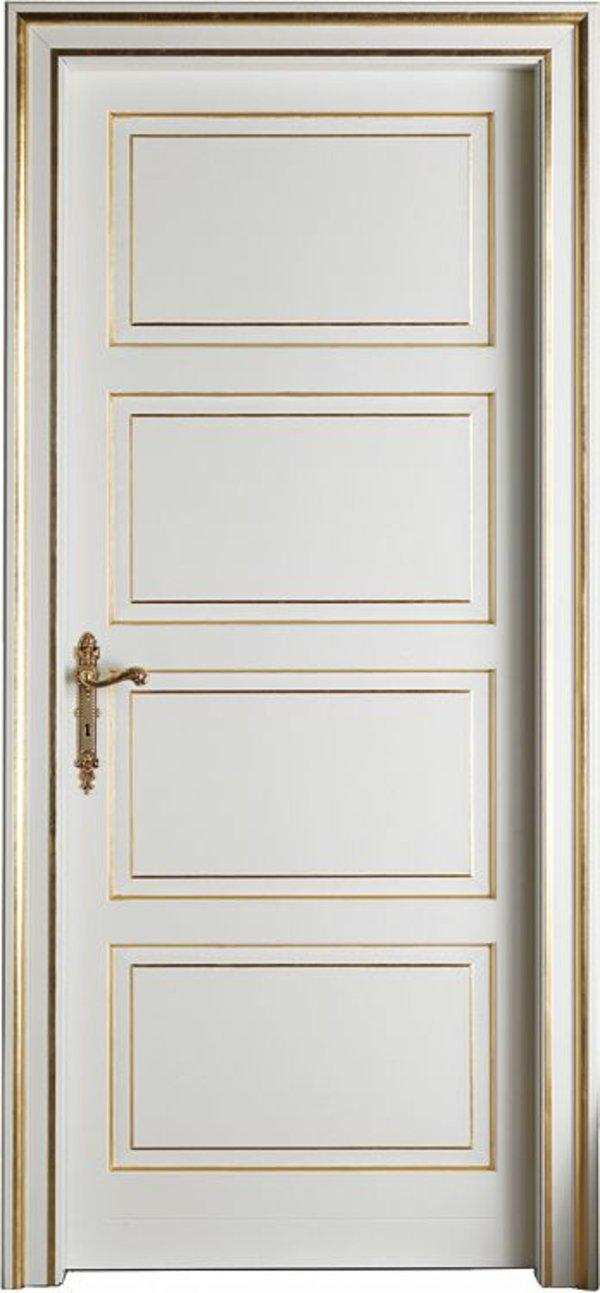 классическая деревянная дверь белая с золотом фото