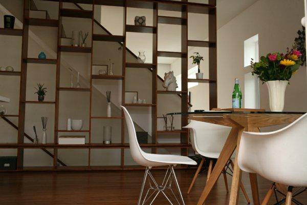 пластиковые стулья обеденные для кухни фото белые кресло