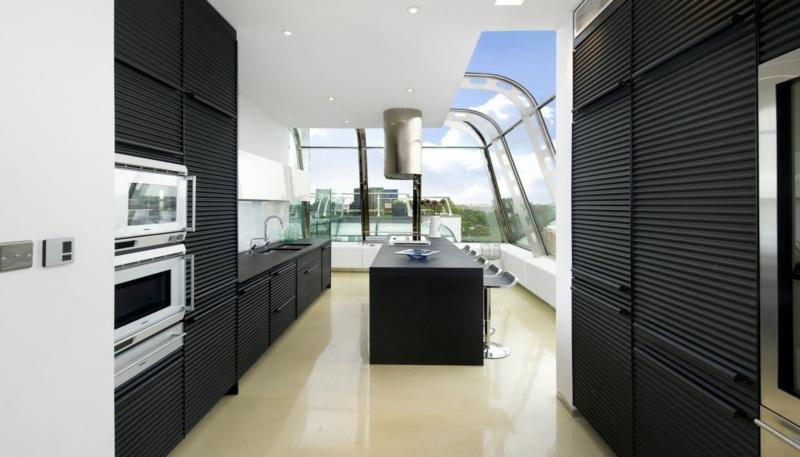 дизайн черной кухни фото интерьер рифленая поверхность матовая