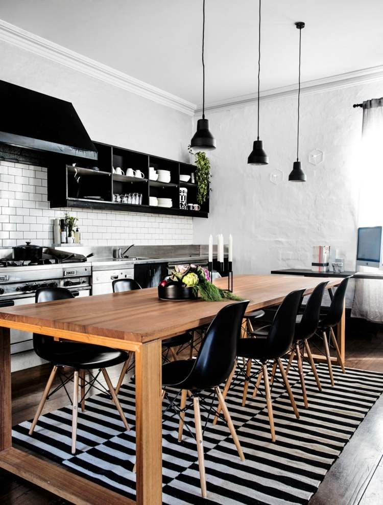 дизайн черной кухни фото интерьер скандинавский стиль деревянный стол
