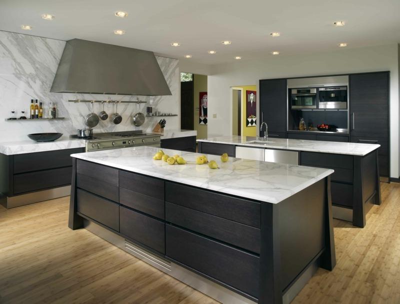 дизайн черной матовой кухни фото интерьер мраморная столешница