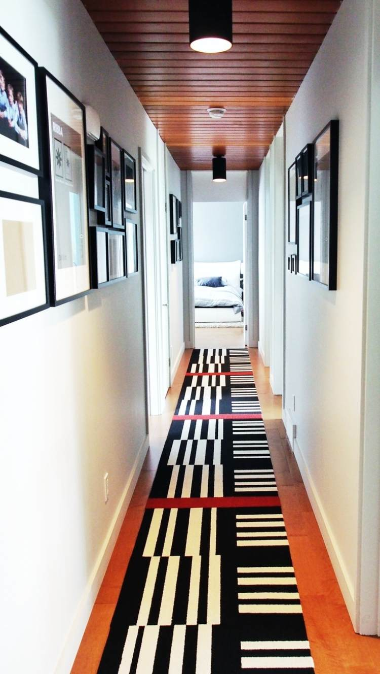 идеи дизайна коридора фото черно-белые картины ковры